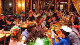 Huettengaudi-feiern-geburtstag-schloessle