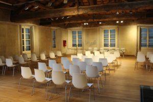 reihenbestuhlung-seminar-vortrag-schloessle